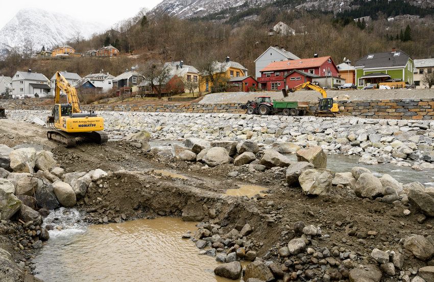 Repairs in Odda following the flooding in October 2014 (Erik Kolstad)